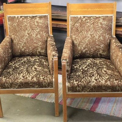 Jugend-tuolien kunnostus ja verhoilu/päällystys